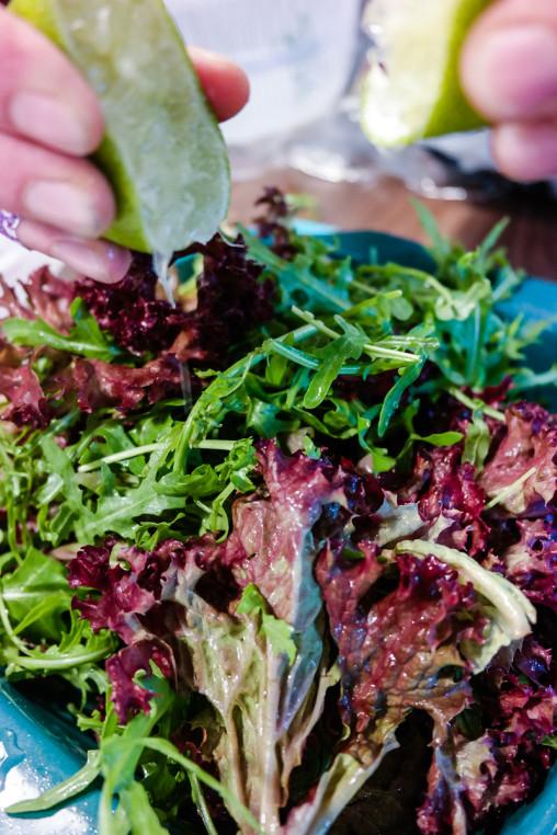 Synes du salat er kjedelig? No more! Med disse seks tipsene kan du lage en fantastisk salat på null komma niks.
