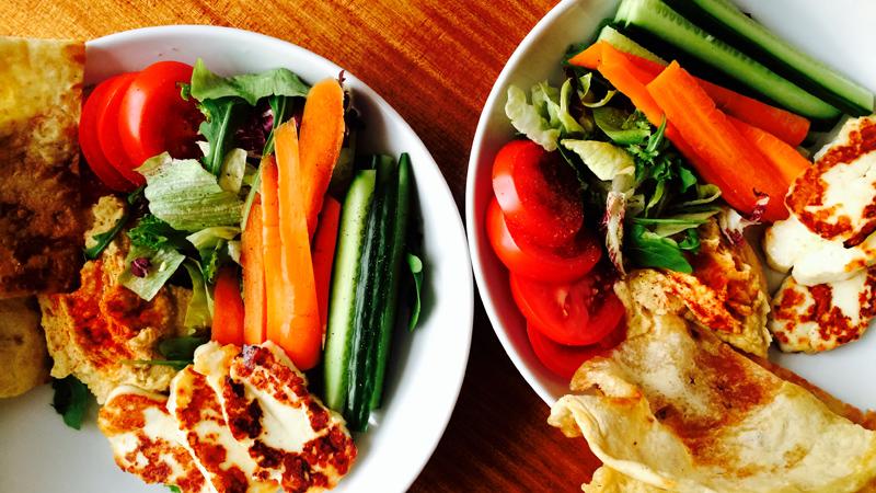 Hummus & halloumi