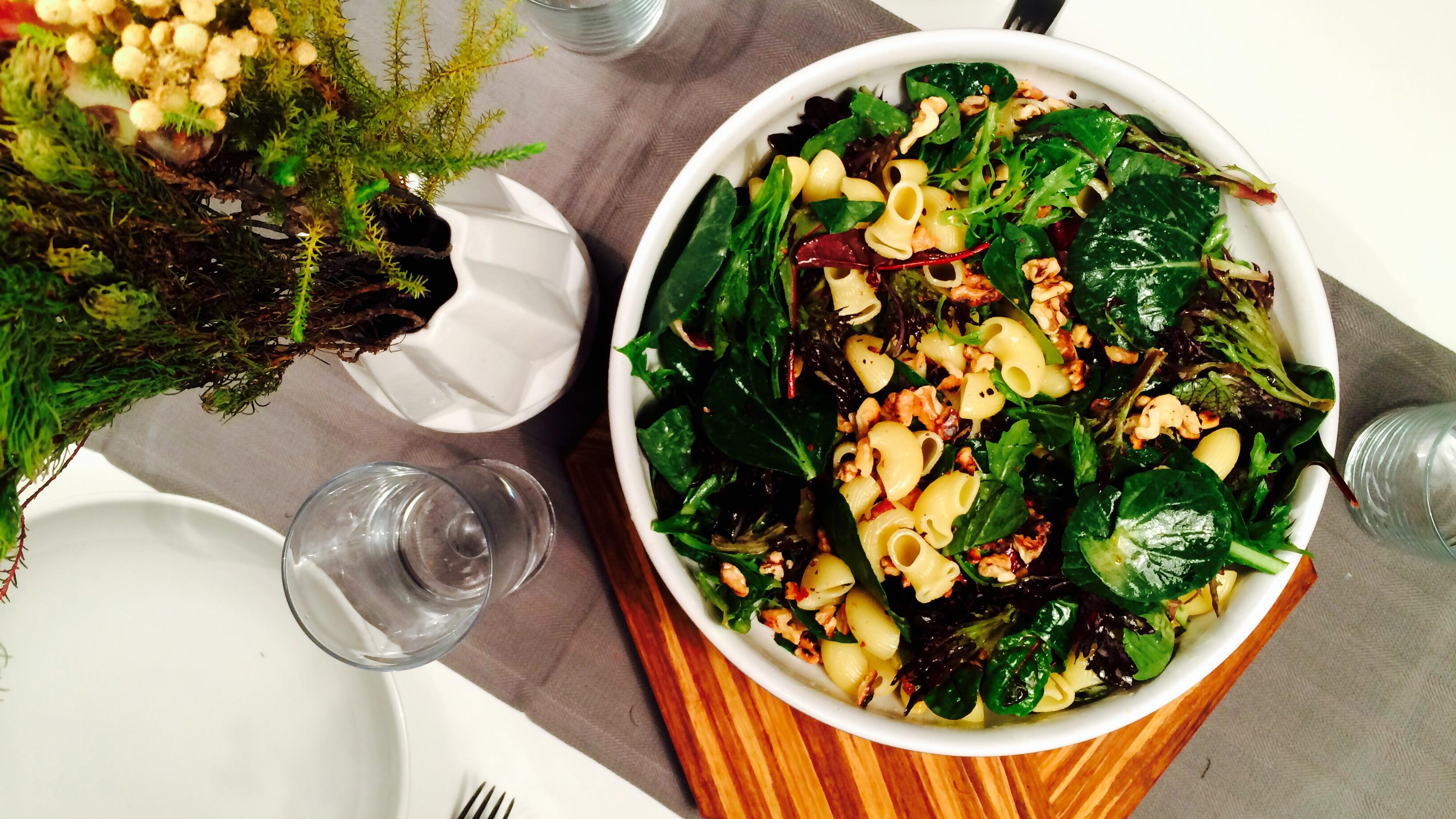 Grønn Salat Med Pasta Valnøtter Sennepsvinaigrette Green Bonanza
