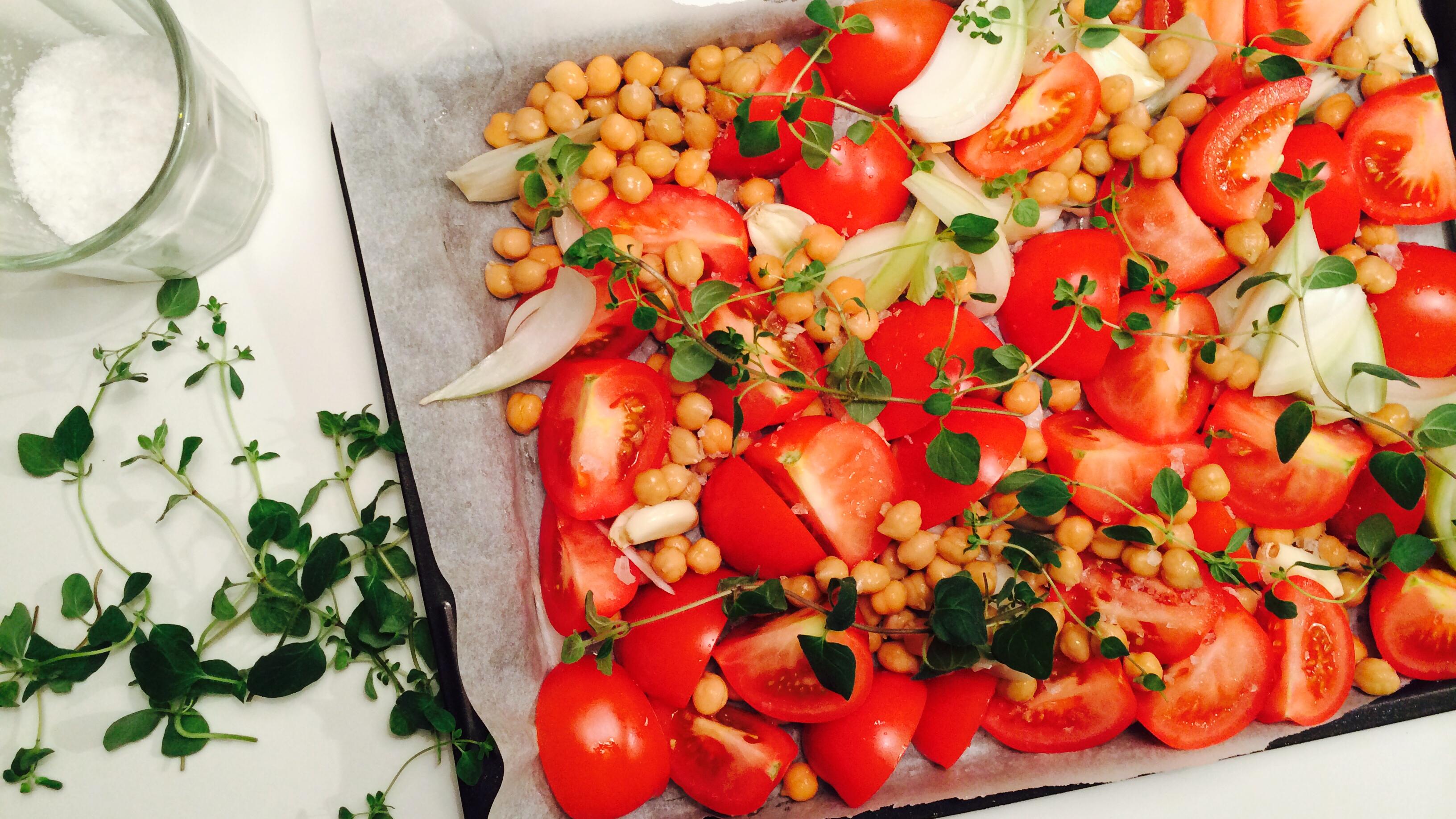 Tomat- og kikertsuppe