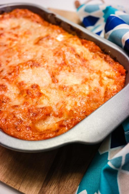 Lyst på lasagne? Sjekk ut denne klassiske grønnsakslasagnen, med masse sunne råvarer og en god tomatsaus.