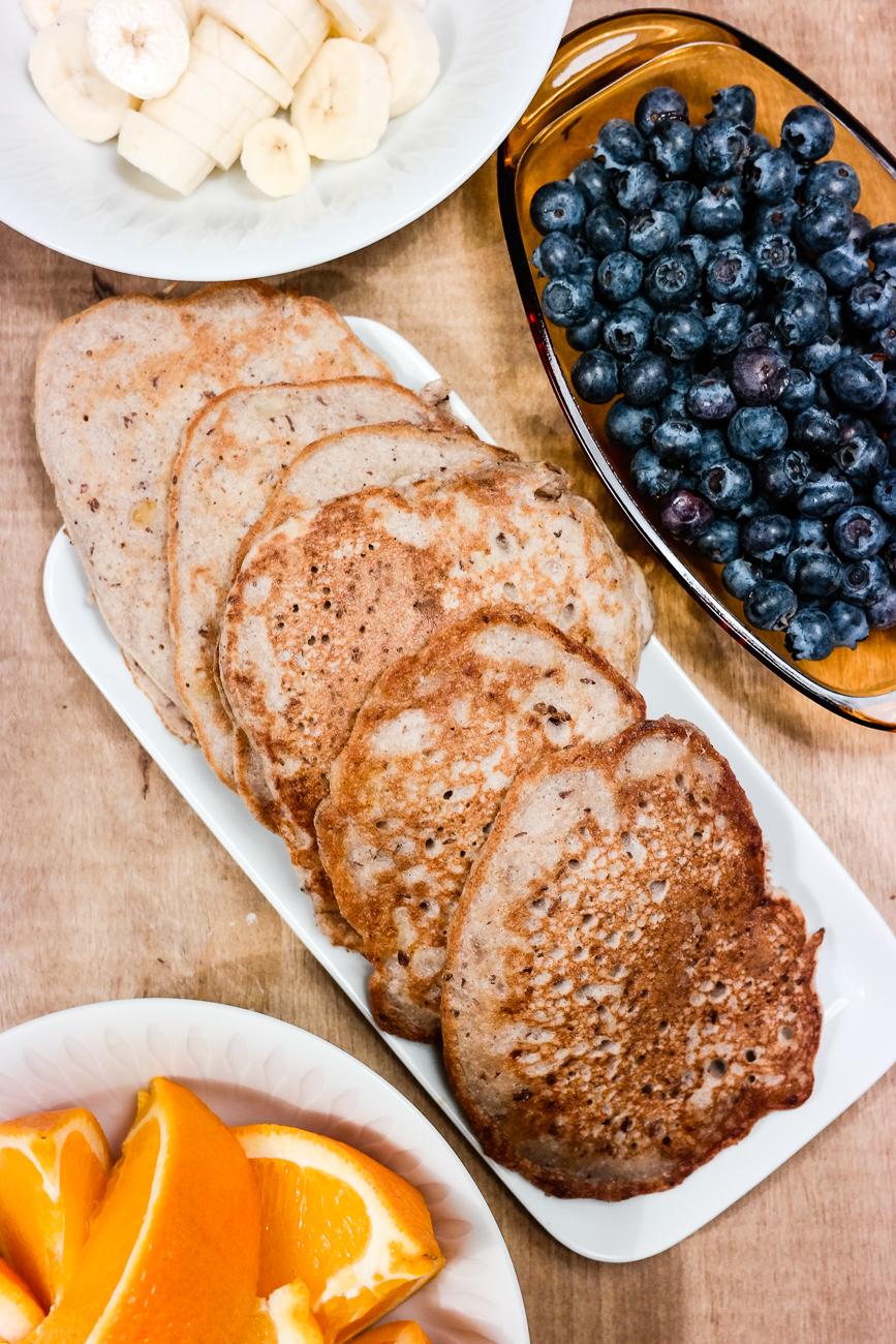 Supersunne og supergode pannekaker, er det mulig? Jajamensann! Disse er både sukkerfri, glutenfri, melkefri og uten egg.