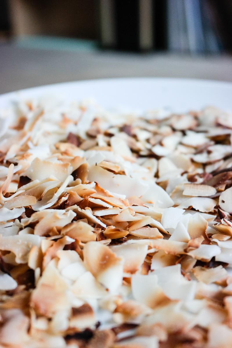 Klar for verdens beste snacks? Kokosflak ristet i panne - all you need!