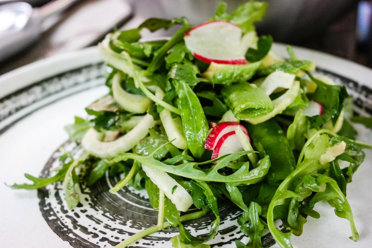 Enkel salat med mye smak? Det er avocado- og fennikelsalat, det.
