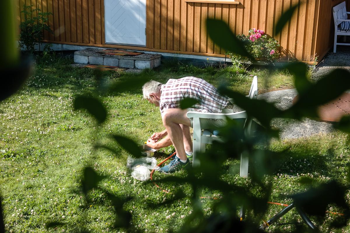 Nyt sommerens lokale råvarer! Grill nykål og nypoteter med sitron og rosmarin.