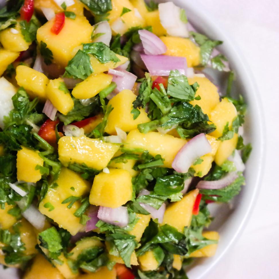 Mangosalsa er den perfekte toppingen på taco - alltid!