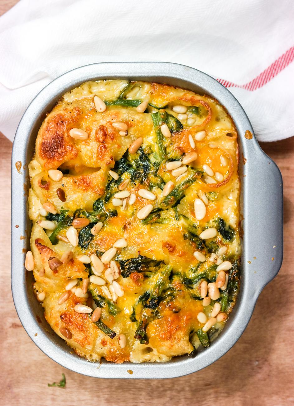 Comfort food HELLO! Mac and cheese med spinat og grønne bønner!