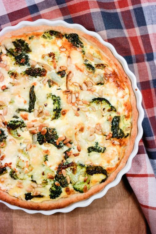 Pai med grønnkål og brokkoli
