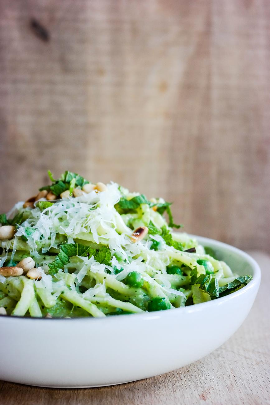 Grønn grønnere grønnest. Det er pasta med erter og myntepesto, det.