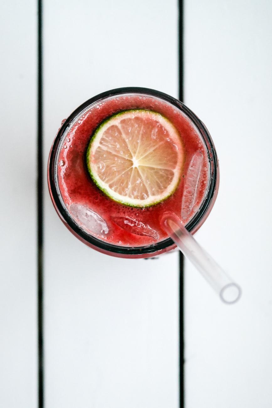 Er du i den heldige posisjon at du har for mye vannmelon? Heldiggris! Drikk den!