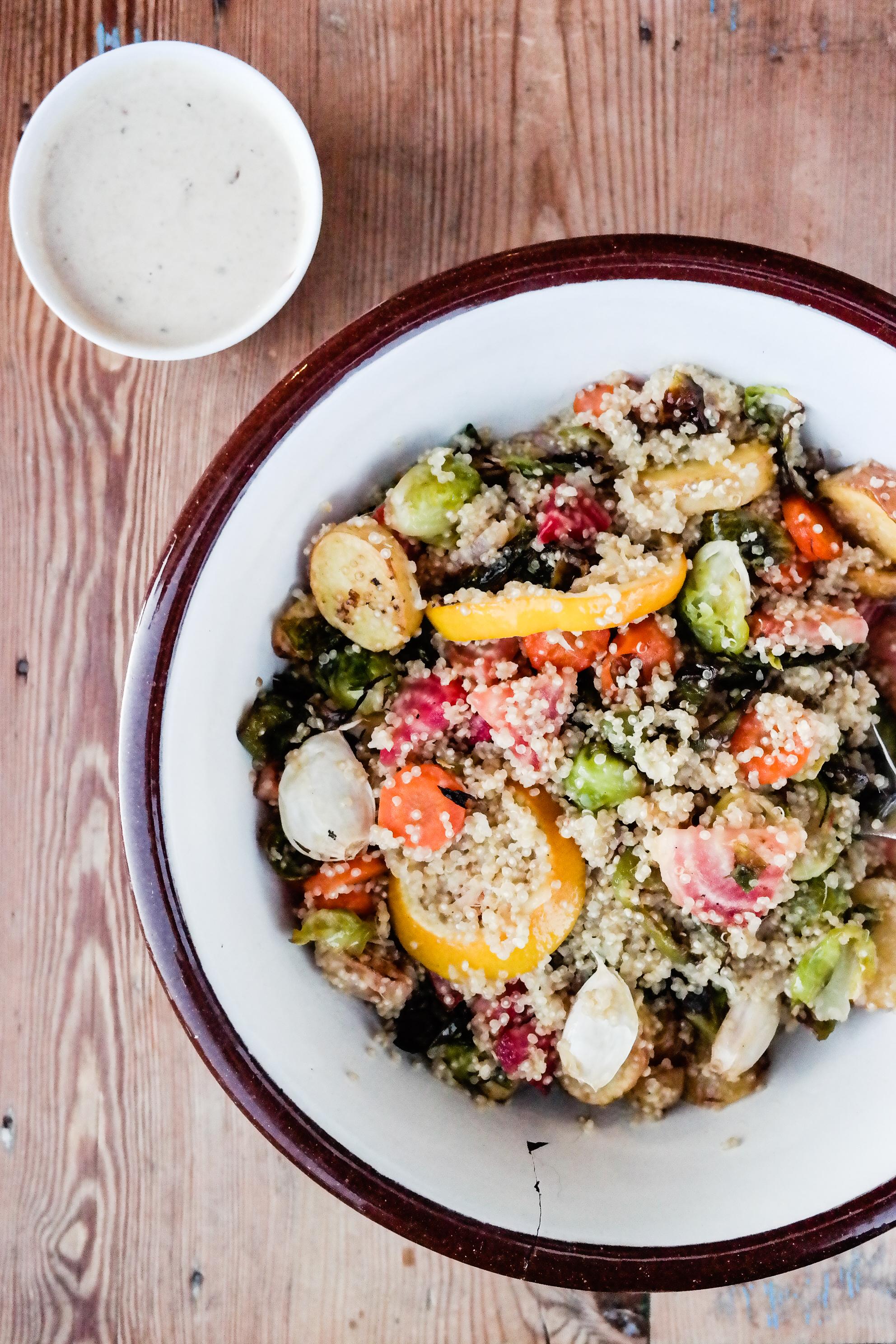 Quinoa. Grønnsaker. Sesam. All. I. Need.
