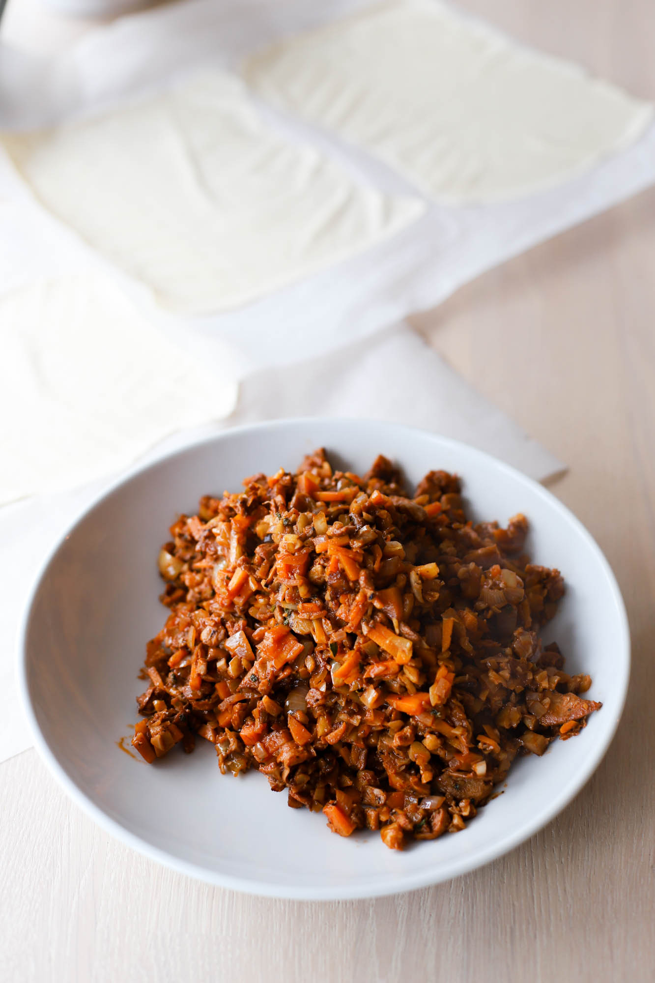 Denne veganske nøttesteika lager du enkelt ved hjelp av kun én stekepanne!