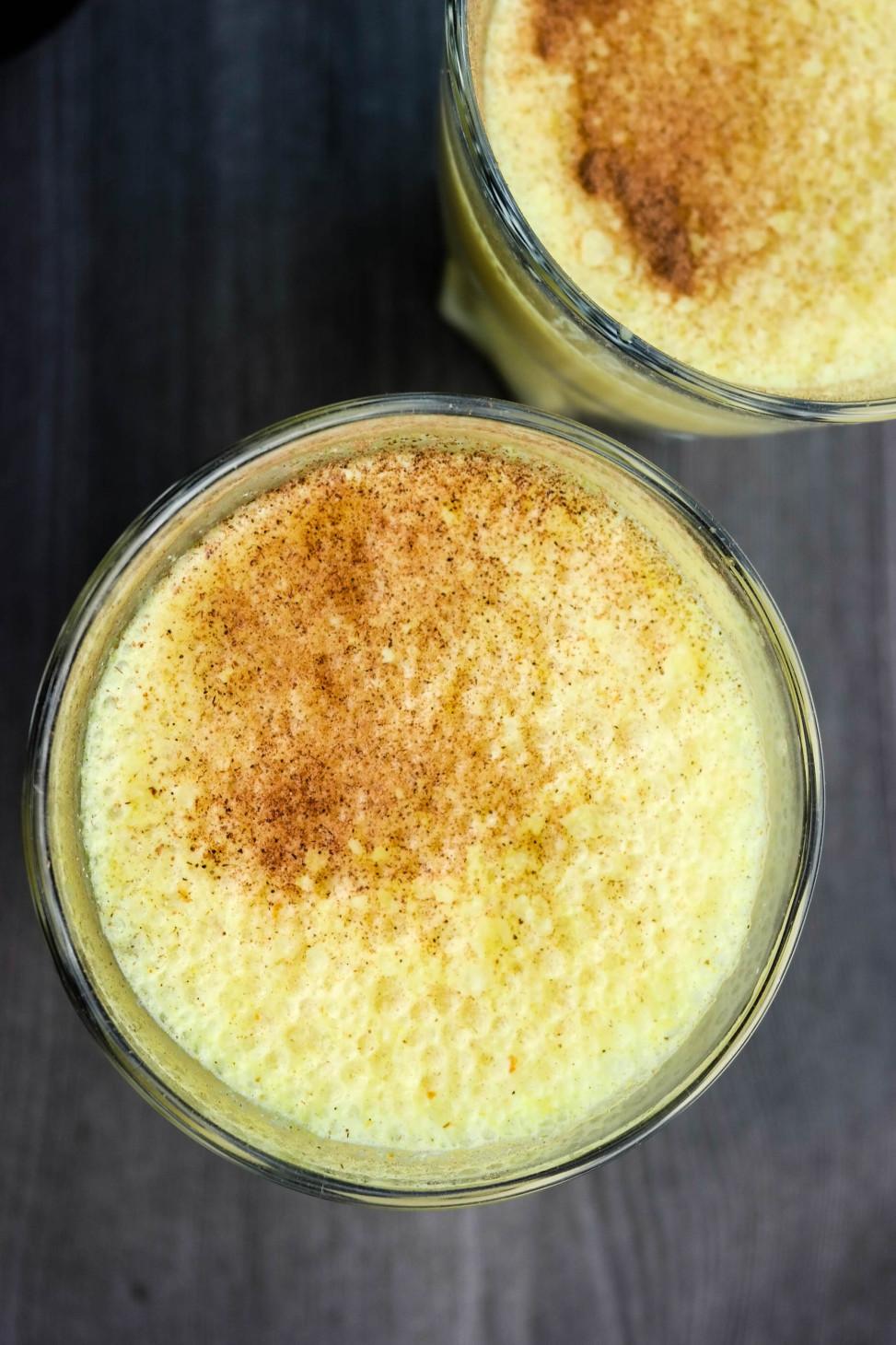 Golden milk - mandelmelk med gurkemeie