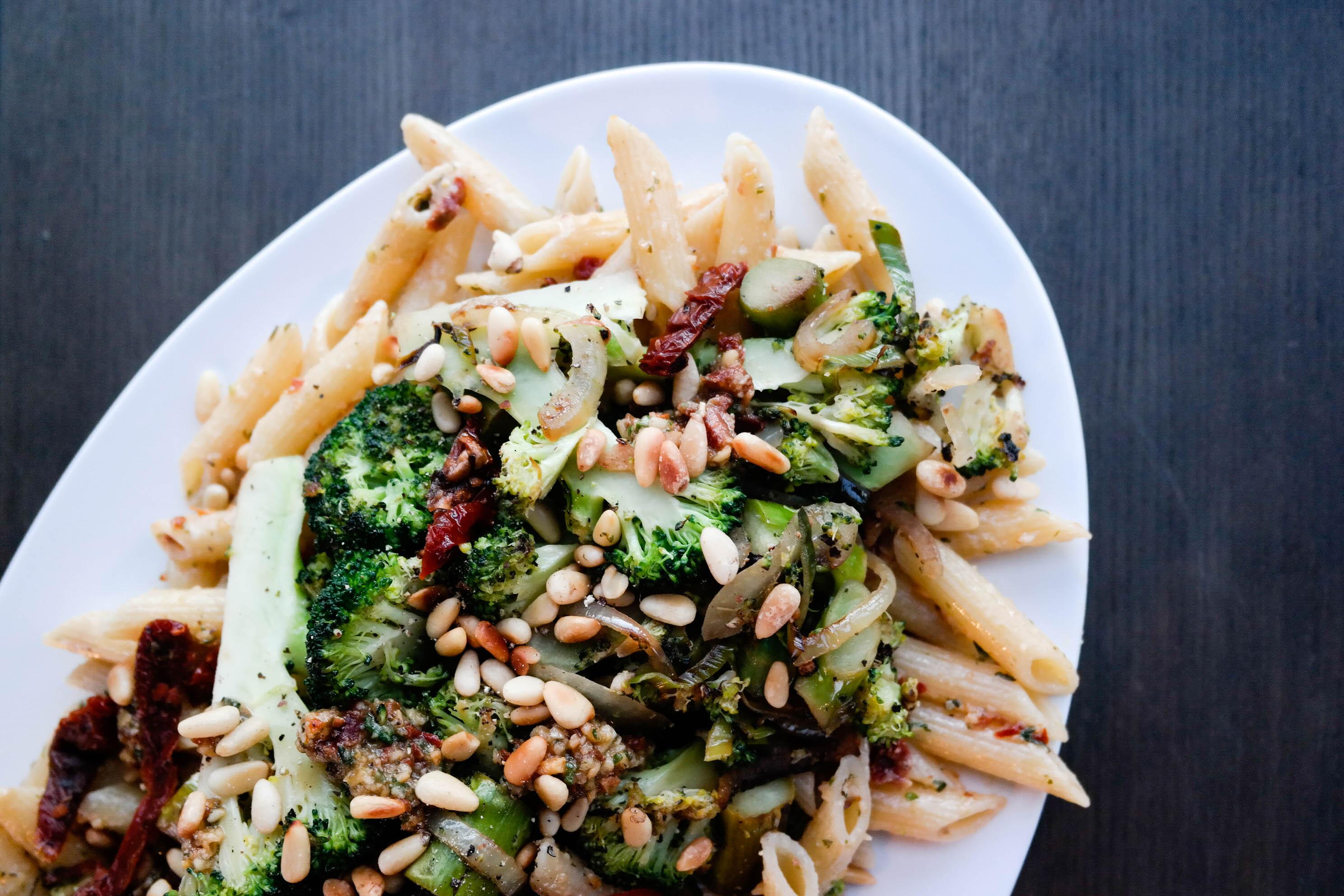 Pasta med enkle ingredienser du får tak i hvor som helst!
