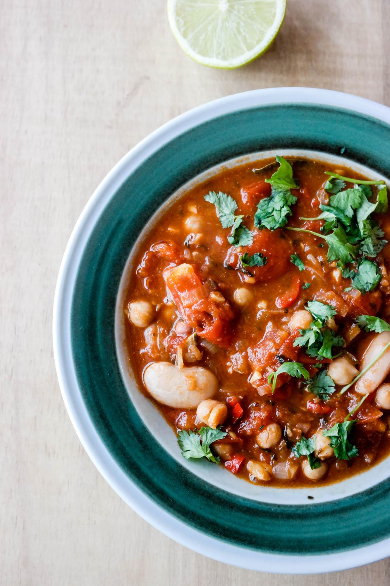 Chilli sin carne, eller chili con tofu? Det handler jo om å fylle på istedet for å trekke fra, så vi sier chili con tofu!