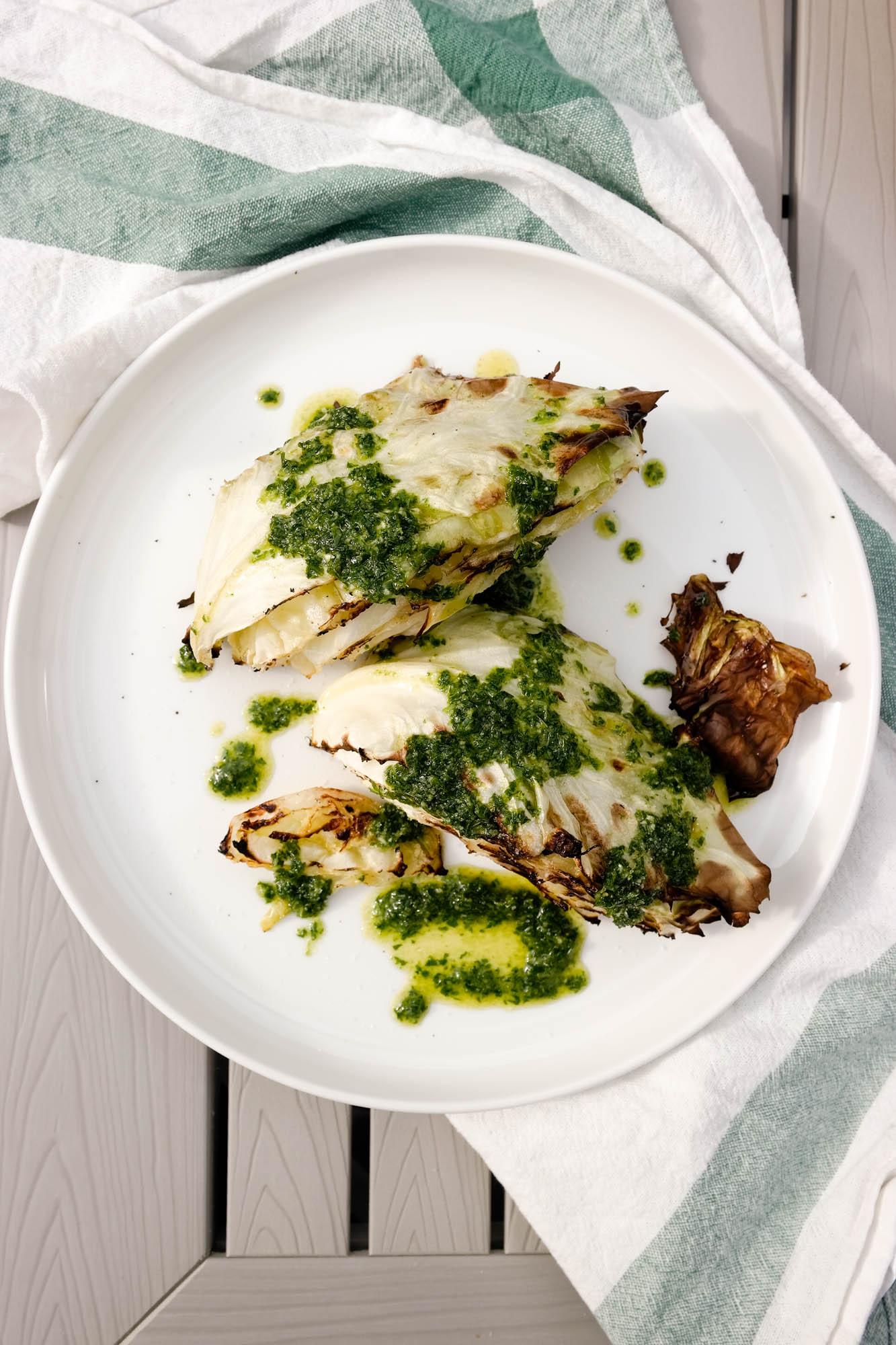 Grilla nykål med persilleolje er perfekt på grillen i sommer! Grønnsaker kan også grilles, vet du.