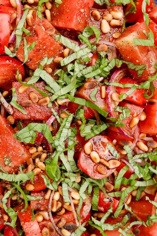 Det er lite som slår en frisk og deilig melon- og tomatsalat i sommervarmen - believe you me!