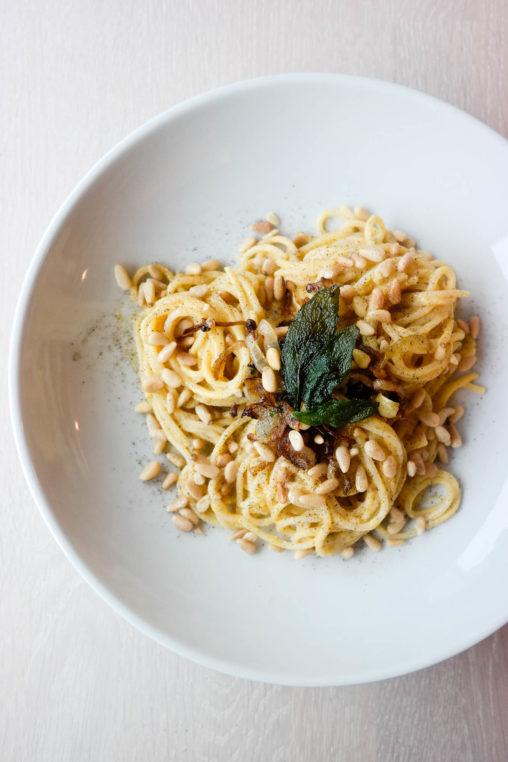 Lurer du på hva du kan bruke gresskar til, annet enn suppe? Pastasaus!