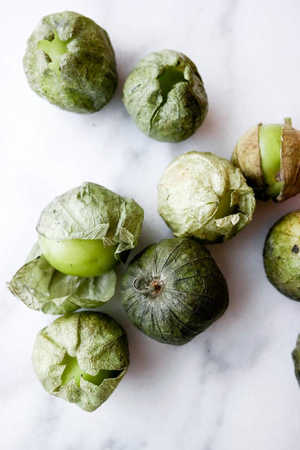 Har du sett tomatillos i butikken? Grab them - og lag salsa verde!