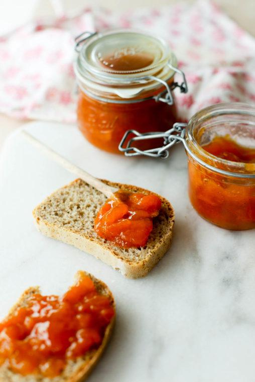 Aprikossyltetøy med stjerneanis og vanilje