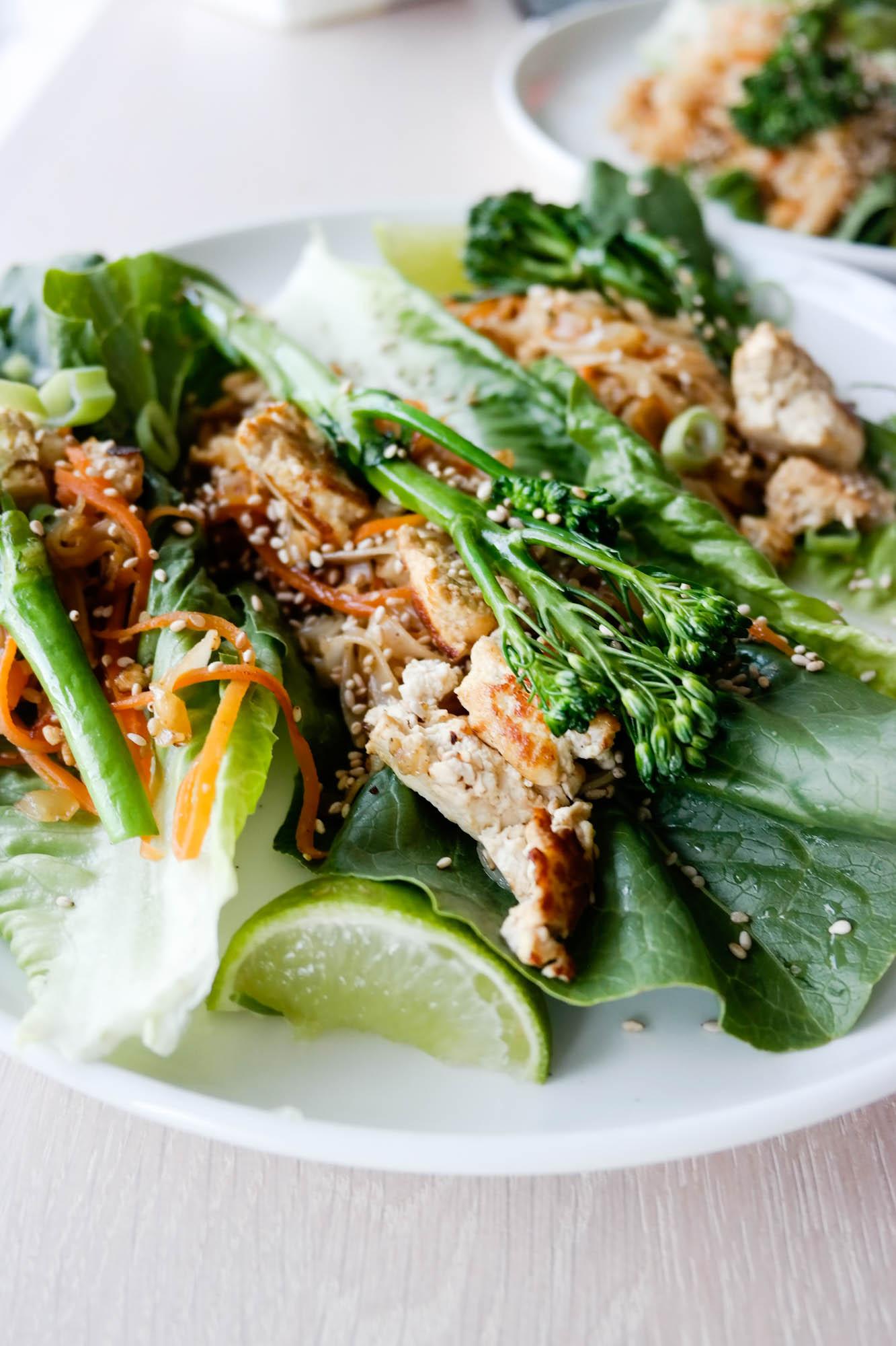 Litt grønnsaker i skuffen, men dårlig fantasi? Prøv å lag en restefest med salatwraps!